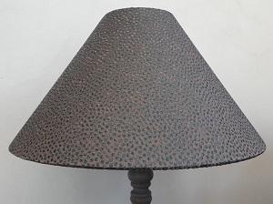 Restauration et fabrication sur mesure d'abat jour Jade Création cône soie brodée