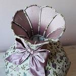 Abat-jour romantique tulipe et son nœud de soie pour décor campagne chic | Jade Création, fabricant abat-jour