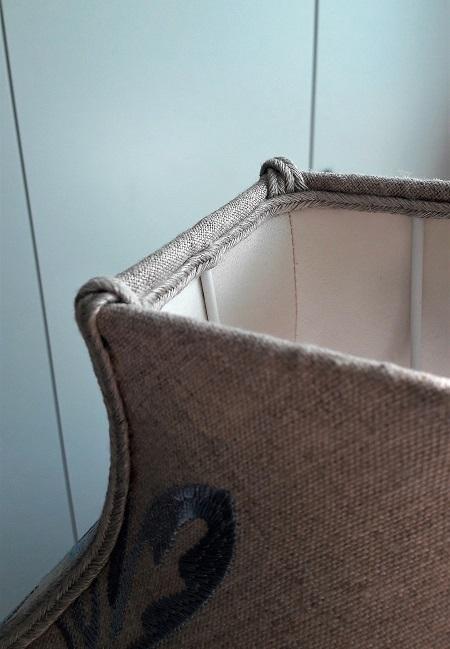 fabricant abat jour sur mesure restaurateur pagode carre lin brode finition 450x650. Black Bedroom Furniture Sets. Home Design Ideas