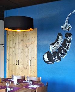abat-jour-xxl-restaurant-Genève-noir-cuivre-jade création
