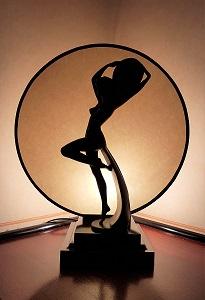 ecran parchemin sur mesure pour luminaire sculpture de femme